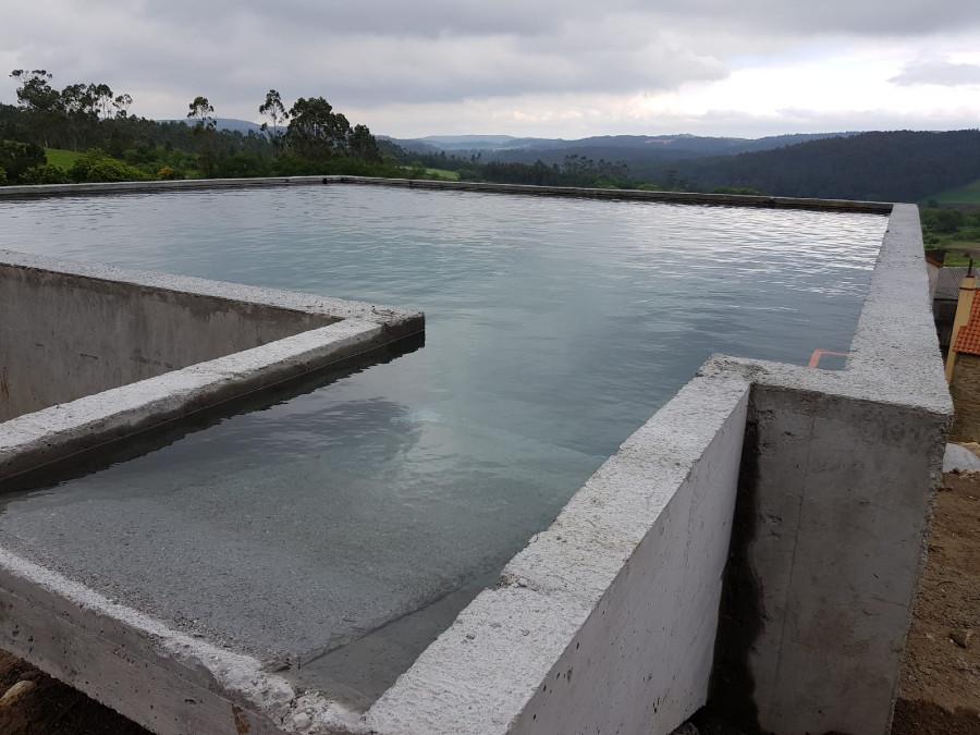 Punto de auga para os labores de extinción.