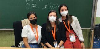 Julia Rey, no centro da imaxe, nunha imaxe reciente xunto a outras investigadoras da Área de Medicina Preventiva. Foto: USC.