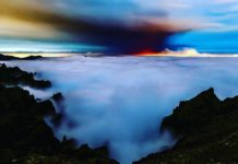 Vista da erupción volcánica sobre o mar de nubes en La Palma. Foto: I Love The World.