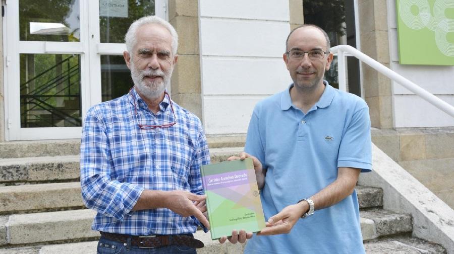 Benjamín Macía e José Ángel Cid, coordinadores do libro. Foto: Duvi.