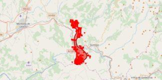 Imaxe dos puntos quentes e a estimación da superficie queimada no incendio de Ribas de Sil segundo a información do Sistema Europeo de Información de Incendios Forestais (EFFIS).