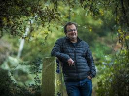 """O autor Anxo Lugilde, que acaba de publicar """"A Vella Compañeira"""". Foto: Óscar Corral"""