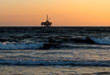 Unha plataforma petrolífera.