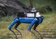 O robot, no seu percorrido polo campus. Foto: Duvi.